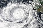 Спутник НАСА Suomi-NPP сфотографировали смертоносный циклон «Файлина»