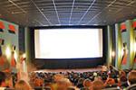 В кинотеатрах США сделают специальные места для любителей общаться по телефону