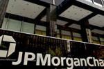 Крупнейший банк США вводит ограничения на снятие наличности и запрет переводов средств за пределы страны
