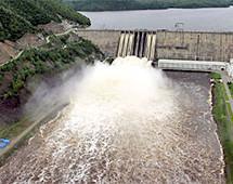 Лидер партии «Яблоко» считает Зейскую ГЭС ответственной за последствия паводка в Амурской области