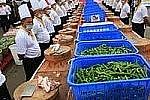 Самая большая порция острой свинины приготовлена в Китае