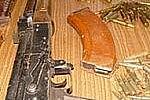 Благовещенец скупал и хранил крупный арсенал оружия с боеприпасами