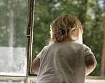В Находке 2-летняя девочка упала из окна 3 этажа